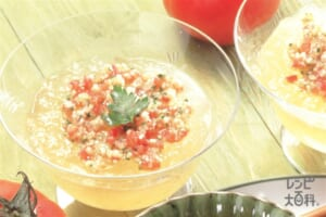コンソメジュレの2色スープ