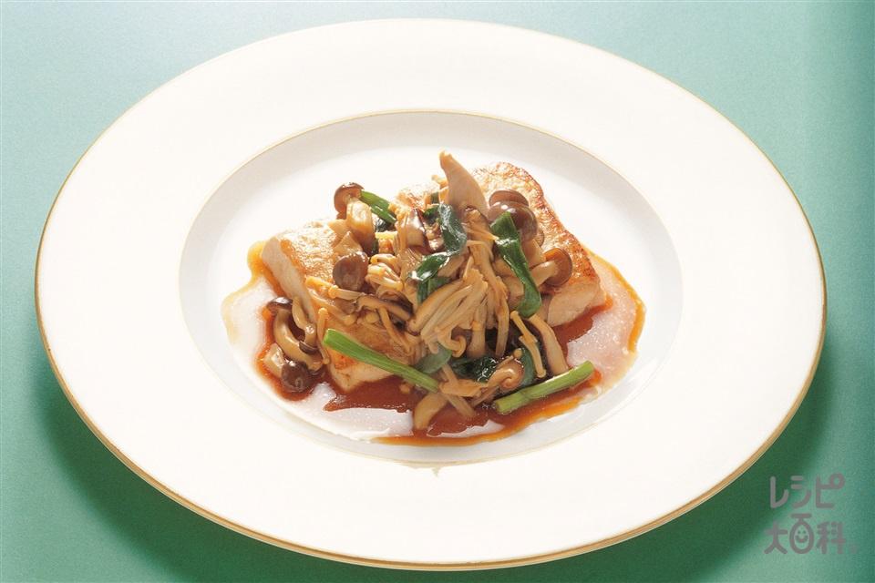 豆腐ステーキ きのこソース(木綿豆腐+しょうゆを使ったレシピ)
