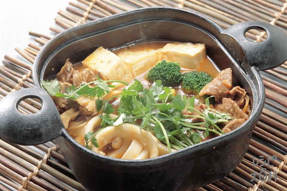 エスニック鍋(牛バラ薄切り肉+木綿豆腐を使ったレシピ)