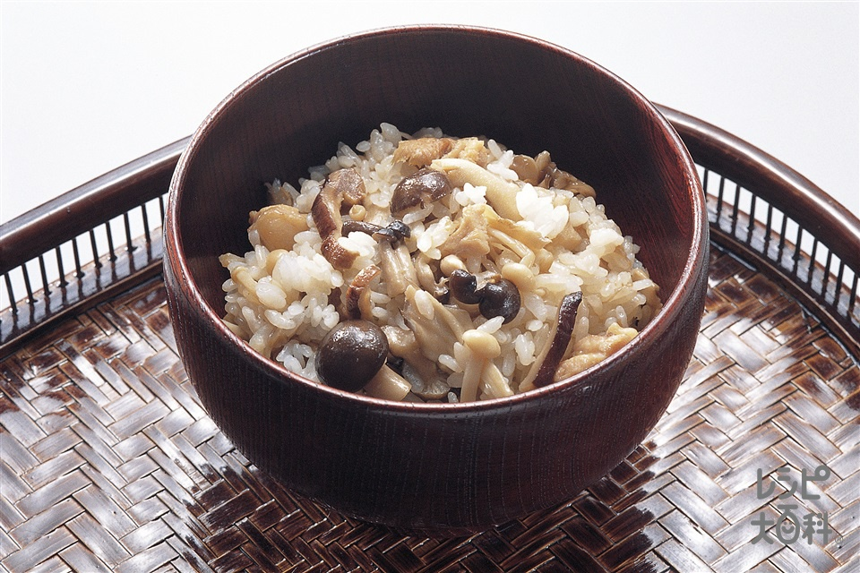 きのこご飯(鶏もも肉+ご飯を使ったレシピ)