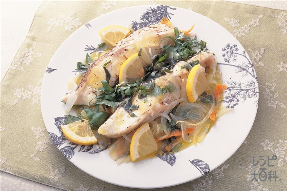 白身魚のハーブ蒸し(まだい+にんじんを使ったレシピ)