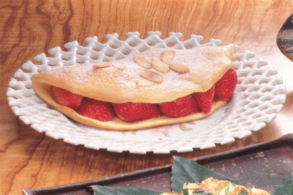 いちごのオムレット(卵白+いちごを使ったレシピ)