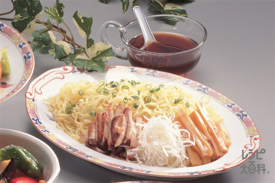 冷やし中華そば 和風ソース(中華生めん+チャーシューを使ったレシピ)