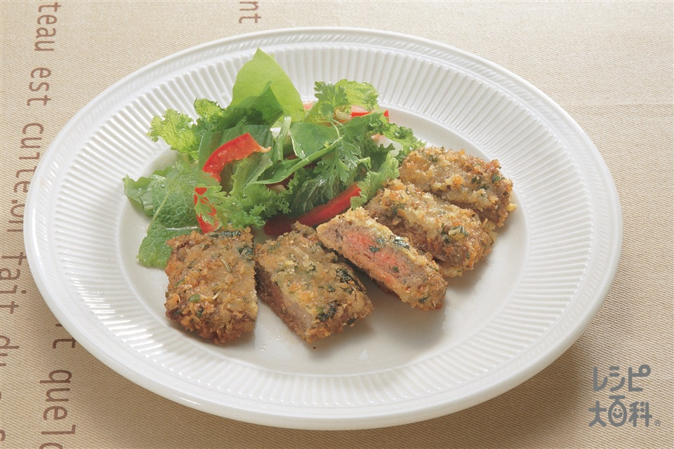 シュニッツェル風(牛肉のハーブ風味カツレツ)(牛もも肉+溶き卵を使ったレシピ)