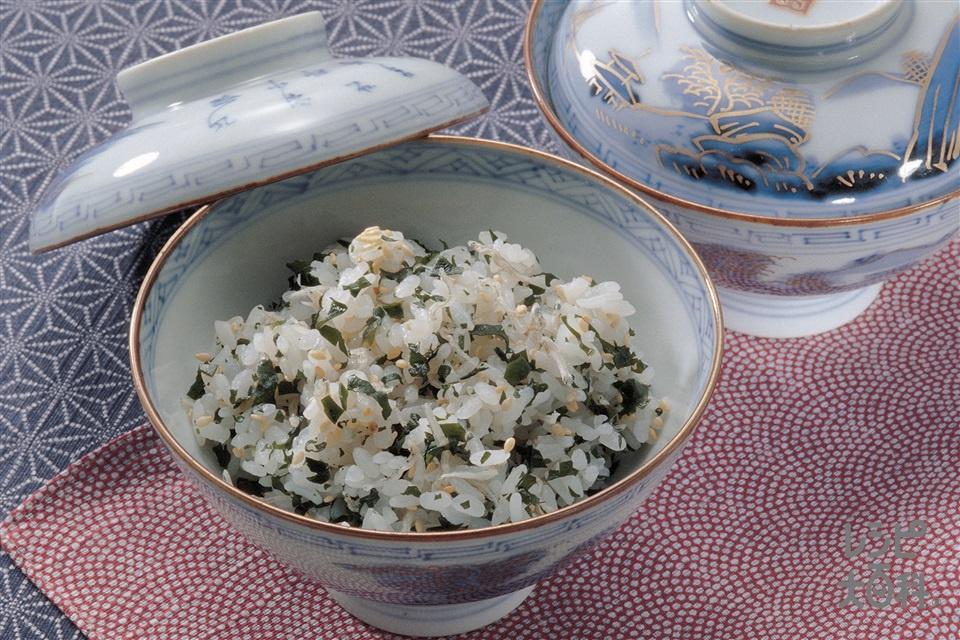 カルシウムご飯(ご飯+わかめを使ったレシピ)