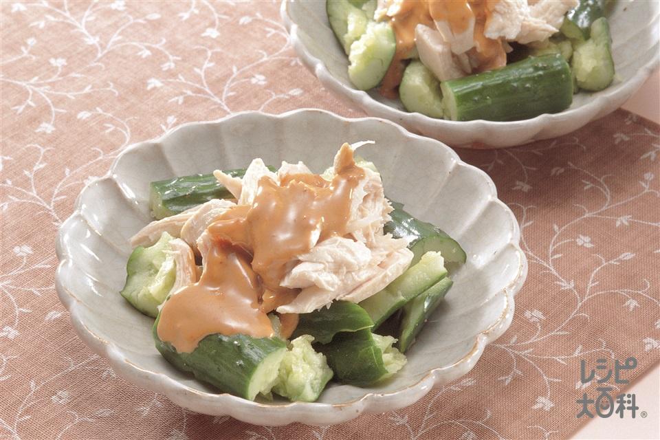 ゆでささ身とたたききゅうりのごまだれかけ(鶏ささ身+A香味野菜を使ったレシピ)