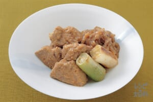 豚ひれ肉と焼きねぎのごまみそ煮