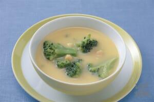 ブロッコリーのコーンクリームスープ