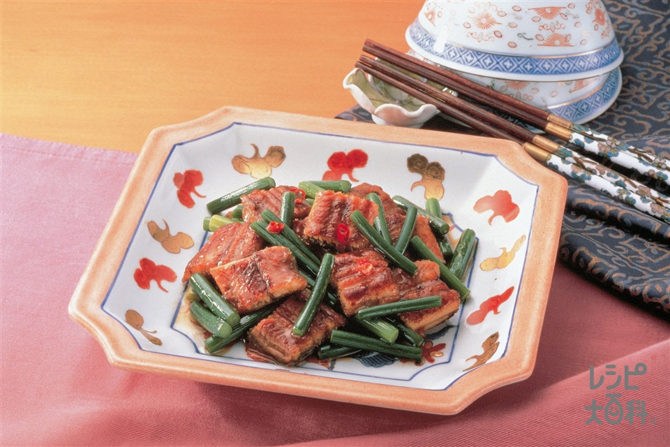うなぎと茎にんにくの炒めもの(うなぎのかば焼き+茎にんにくを使ったレシピ)