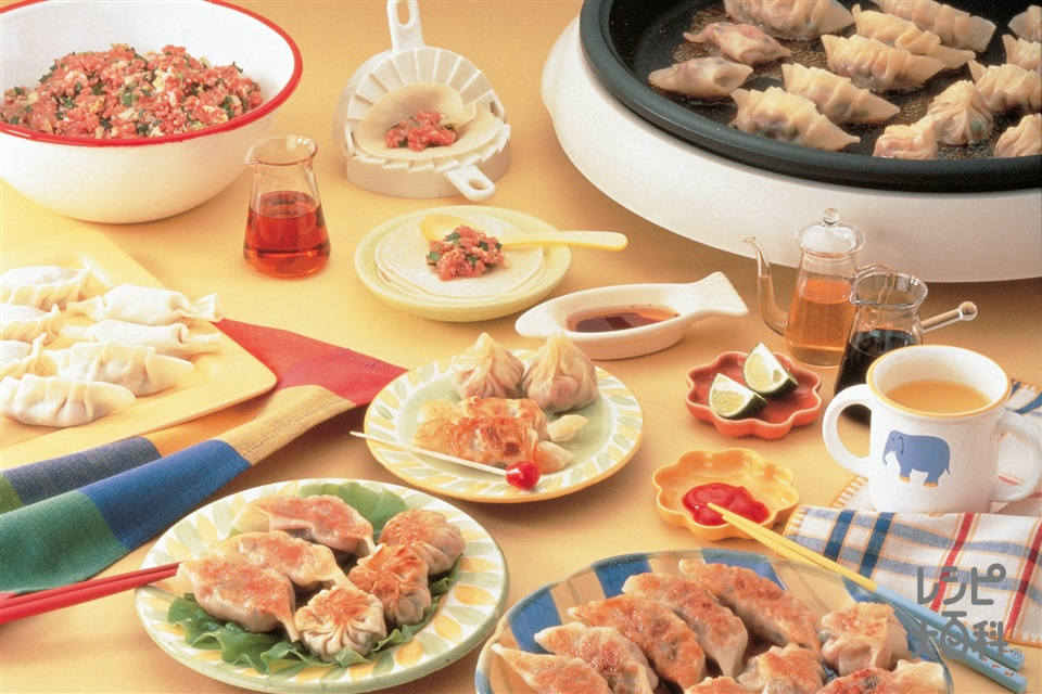 みんなで楽しくパーティーギョーザ(餃子の皮+豚ひき肉を使ったレシピ)