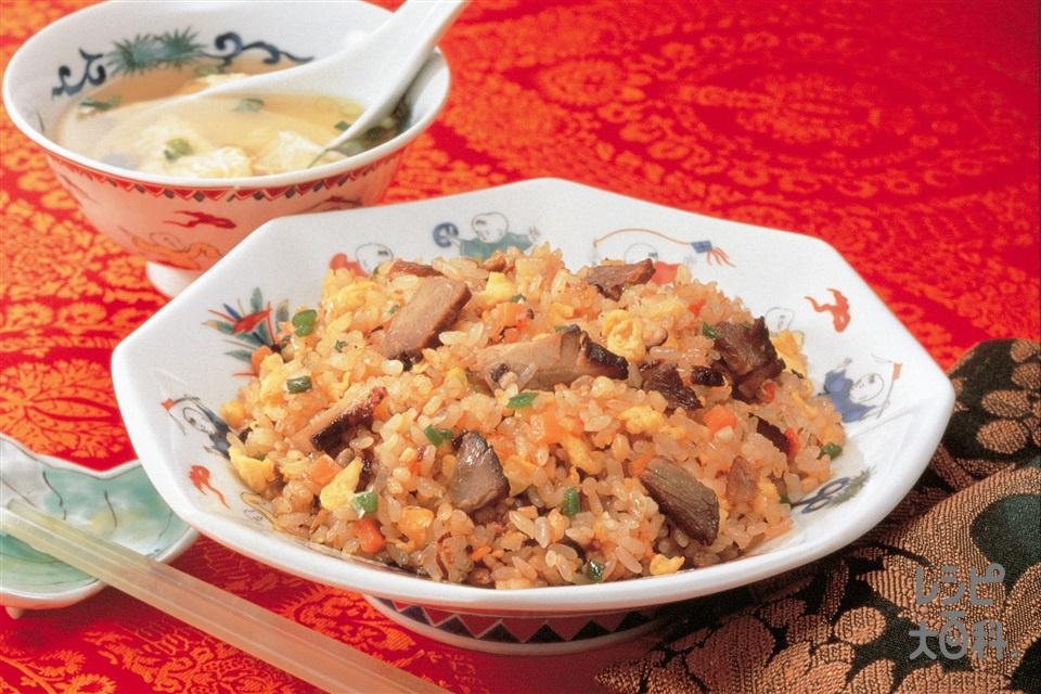 ピリ辛五目炒飯(ご飯+焼き豚を使ったレシピ)