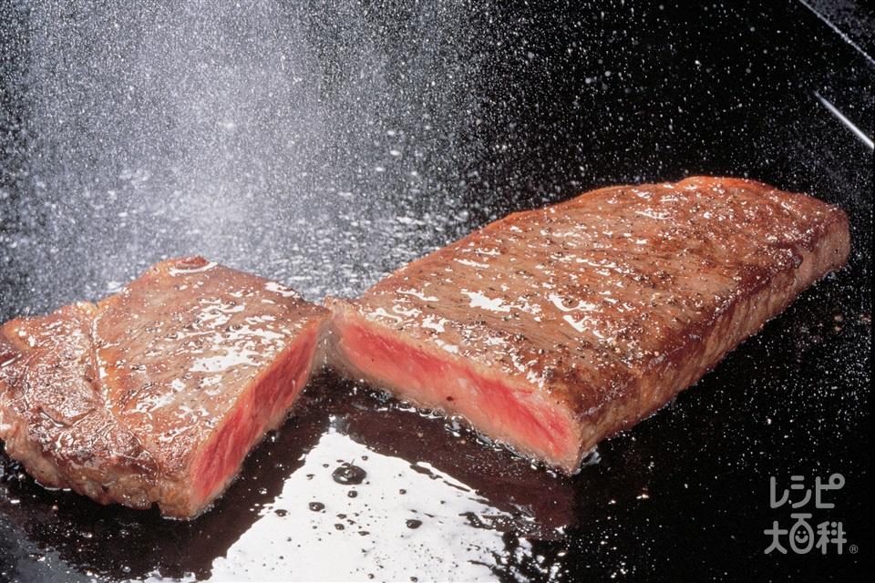 健康サララステーキ(牛サーロインステーキ用肉+「AJINOMOTO 健康サララ」を使ったレシピ)