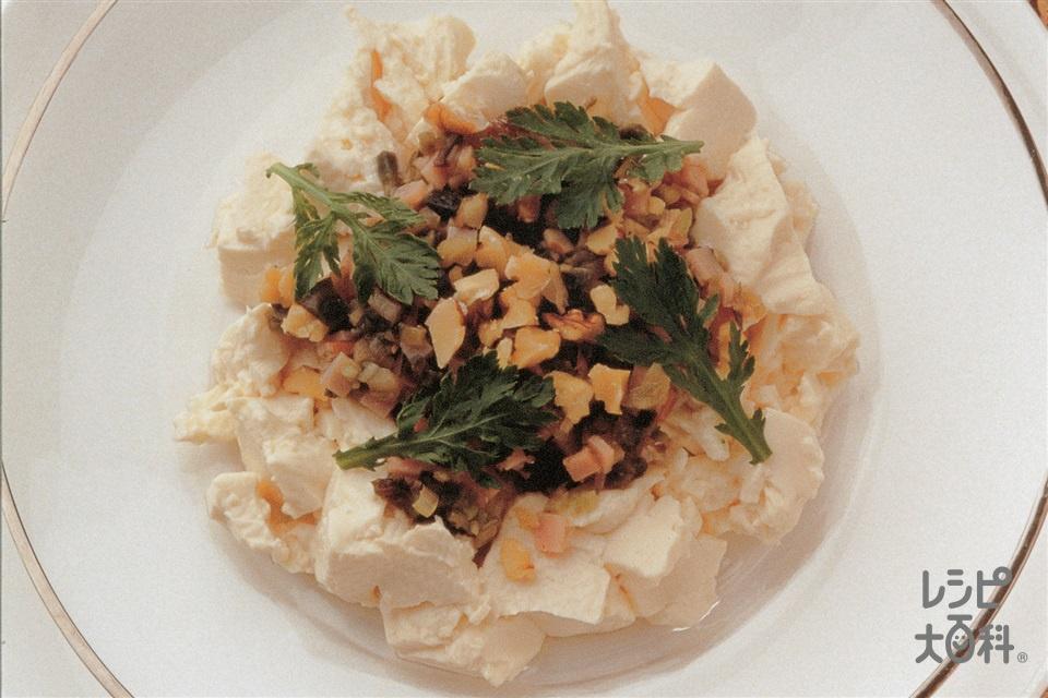 冷ややっこのエスニック風(絹ごし豆腐+ピータンを使ったレシピ)