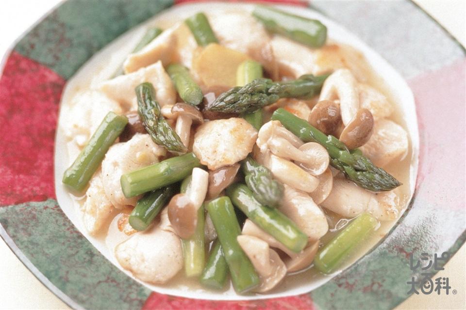 グリーンアスパラと鶏ささ身の塩炒め(グリーンアスパラガス+鶏ささ身を使ったレシピ)