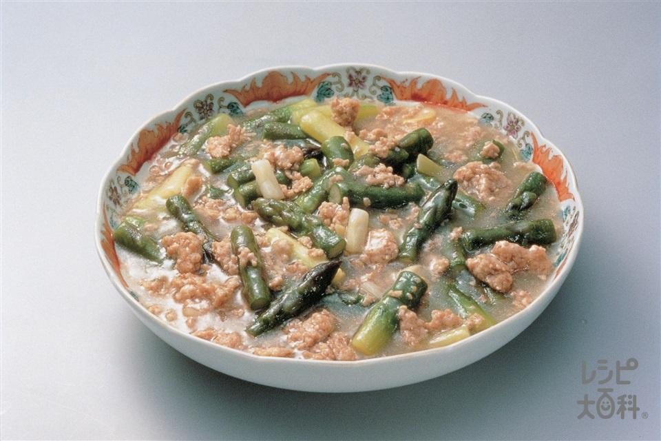 鶏ひき肉とグリーンアスパラの炒め煮(鶏ひき肉+グリーンアスパラガスを使ったレシピ)