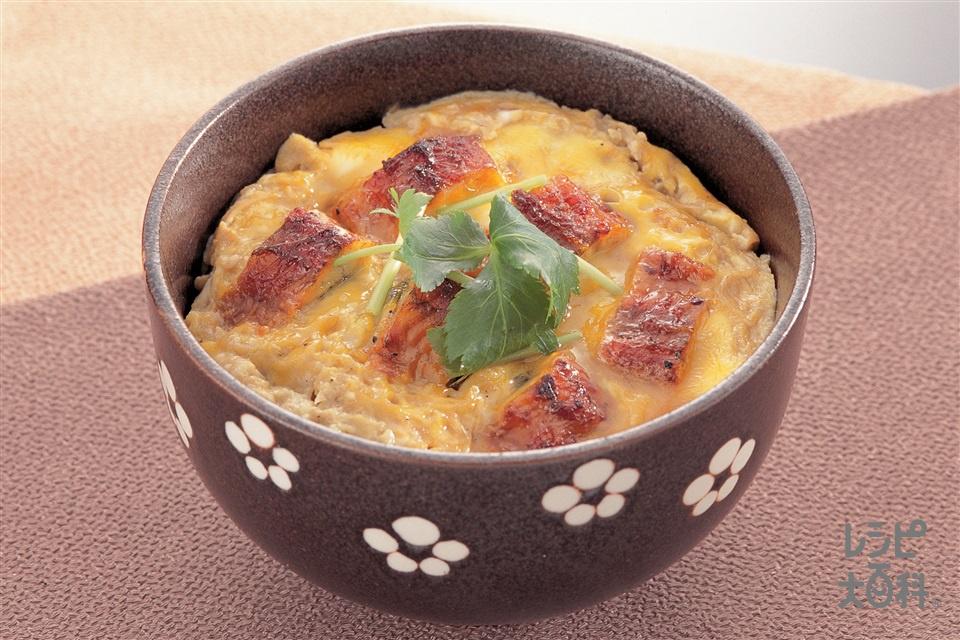 うな玉丼(ご飯+卵を使ったレシピ)