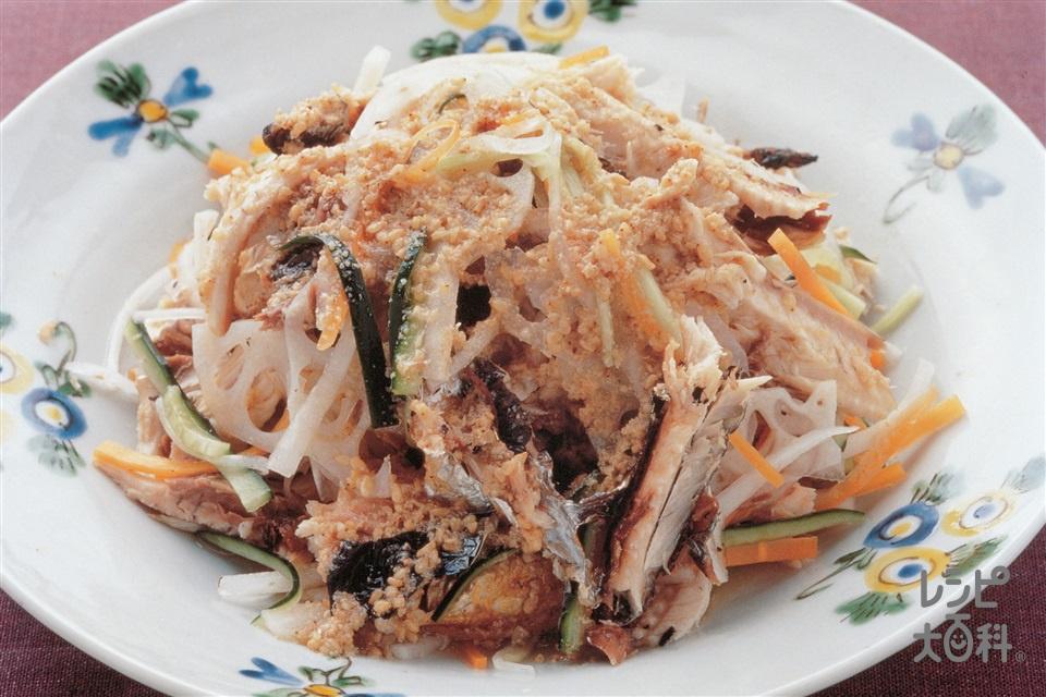 焼きさんまとせん切り野菜のごま酢(さんま+きゅうりを使ったレシピ)