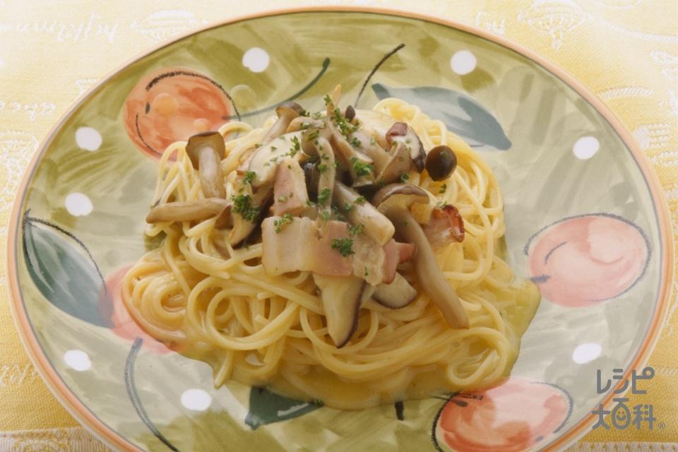カップスープでスピードパスタ(スパゲッティ+ベーコンを使ったレシピ)