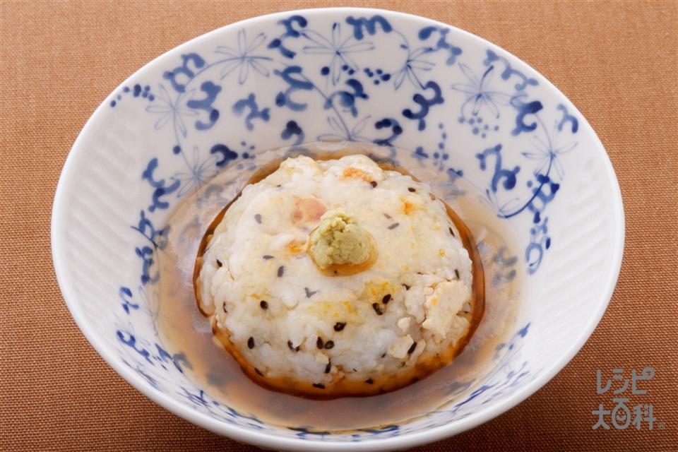 鶏ごま焼きおにぎり(鶏ひき肉+ご飯を使ったレシピ)