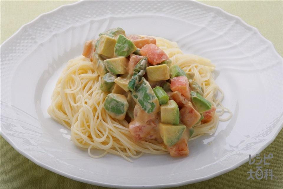 アボカドのごまあえ冷パスタ(カッペリーニ+トマトを使ったレシピ)