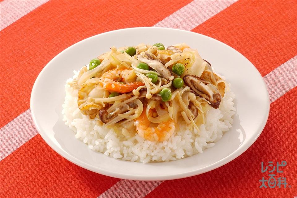 きのことシーフードミックスのせ丼(しいたけ+えのきだけを使ったレシピ)
