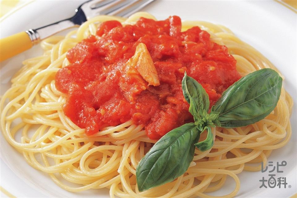 トマトソーススパゲッティ(スパゲッティ+ホールトマト缶を使ったレシピ)
