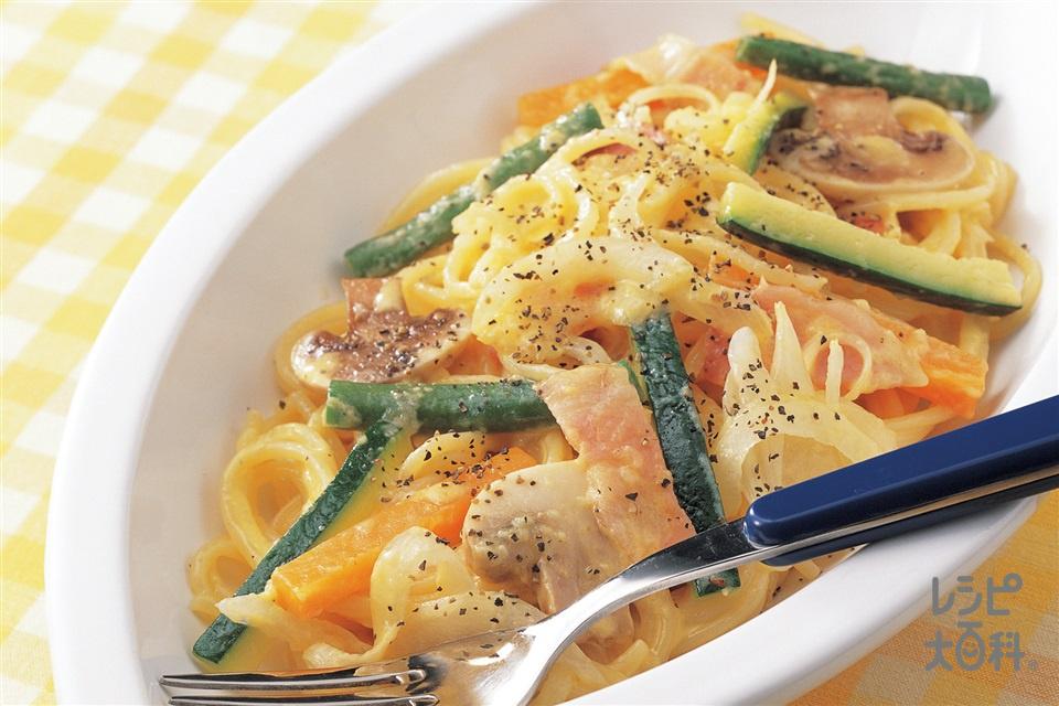 野菜たっぷりカルボナーラ(スパゲッティ+ズッキーニを使ったレシピ)