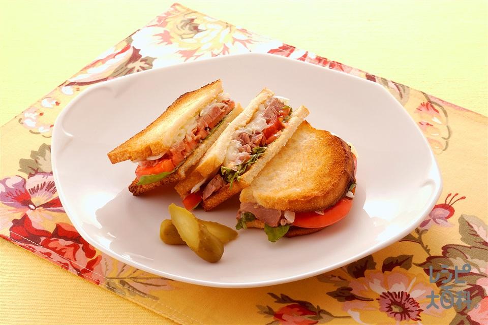 アイスバインのサンドイッチ(玉ねぎ+トマトを使ったレシピ)
