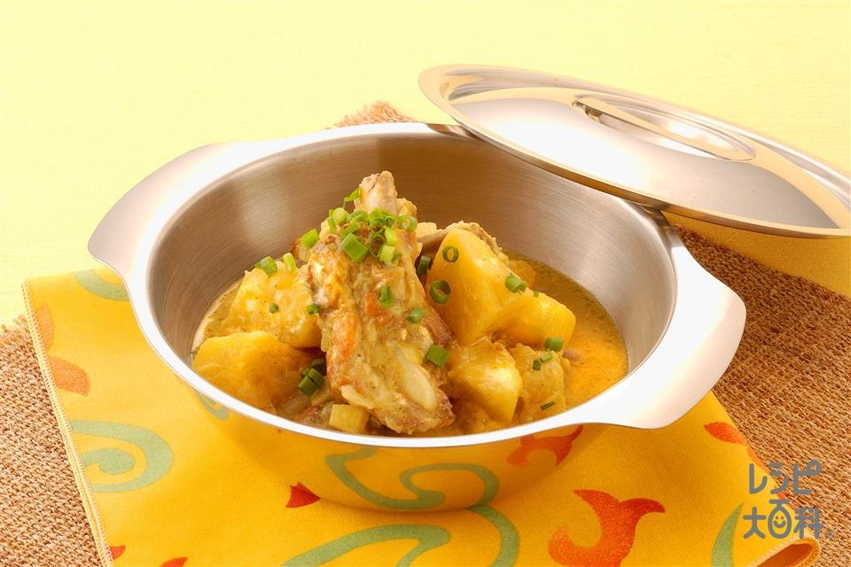 豚肉とパインのカレーココナッツ煮(パイナップル+ココナッツミルク缶を使ったレシピ)