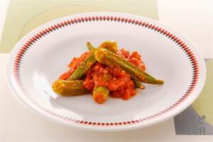 オクラとトマトのバター煮(オクラ+ホールトマト缶を使ったレシピ)