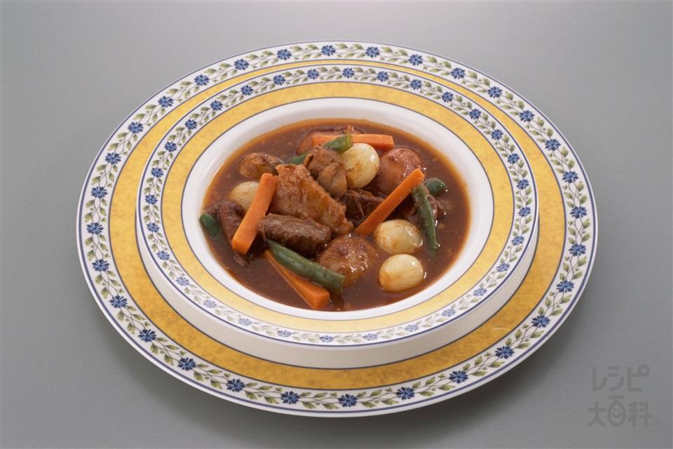 ビーフシチュー(牛肉+じゃがいもを使ったレシピ)