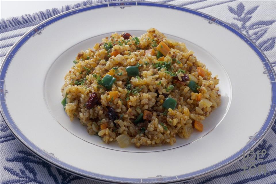 カレーピラフ(米+牛ひき肉を使ったレシピ)