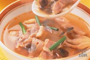 塩豚としめじ・大根のピリ辛スープ
