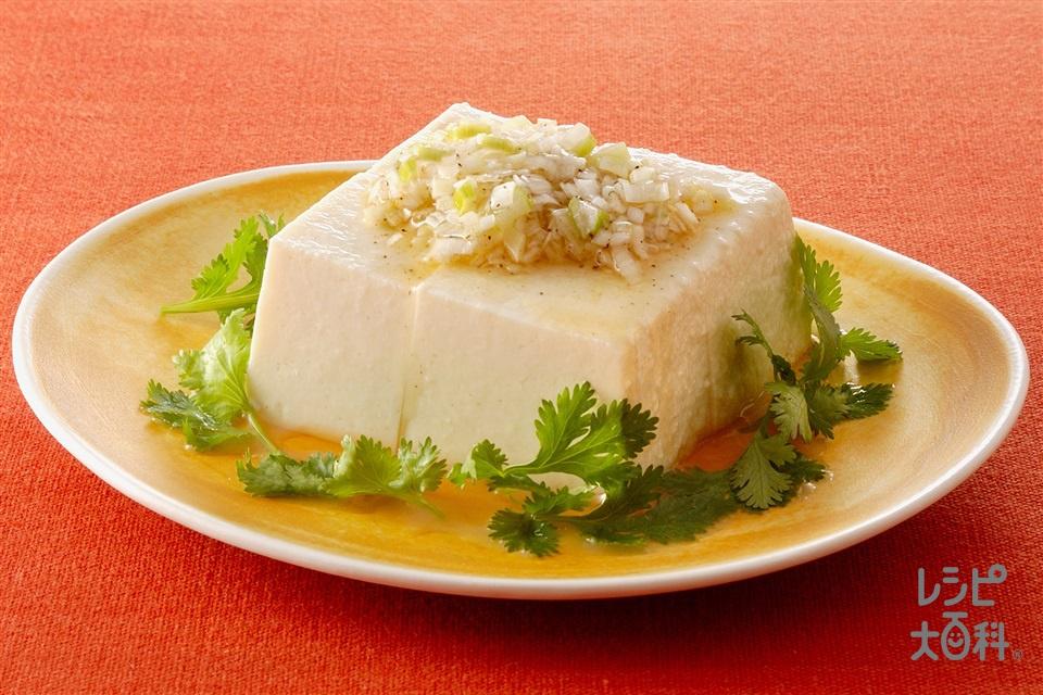 冷ややっこのねぎごま油かけ(絹ごし豆腐+ねぎのみじん切りを使ったレシピ)