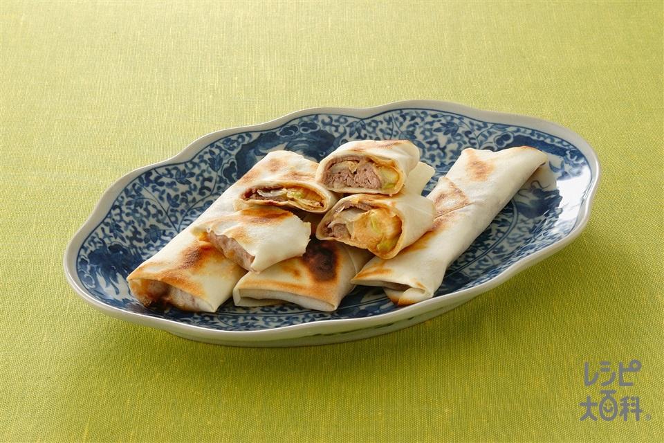 牛肉とねぎの焼き春巻(春巻の皮+牛もも薄切り肉を使ったレシピ)