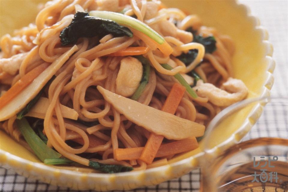 鶏肉と野菜の五目焼きそば(鶏むね肉+焼きそば用蒸しめんを使ったレシピ)