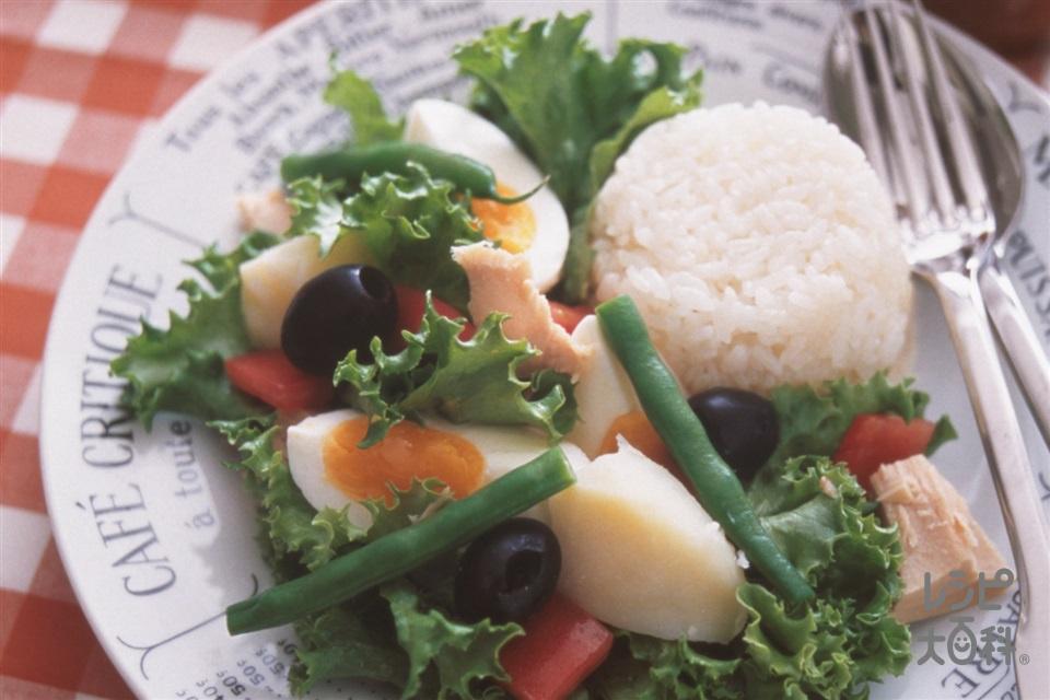 ニース風サラダご飯(米+トマトを使ったレシピ)