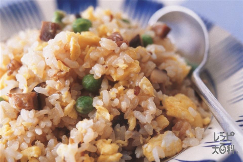 焼き豚とねぎの卵チャーハン(焼き豚+干ししいたけを使ったレシピ)