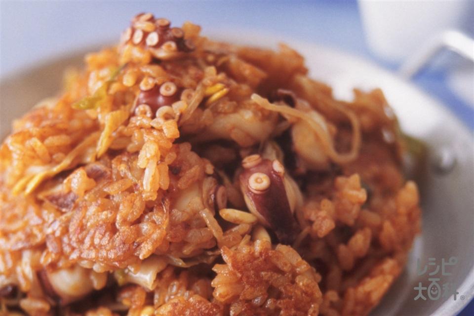 たこキムチチャーハン(ご飯+ゆでだこの足を使ったレシピ)