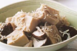高野豆腐としいたけのじゃこ煮