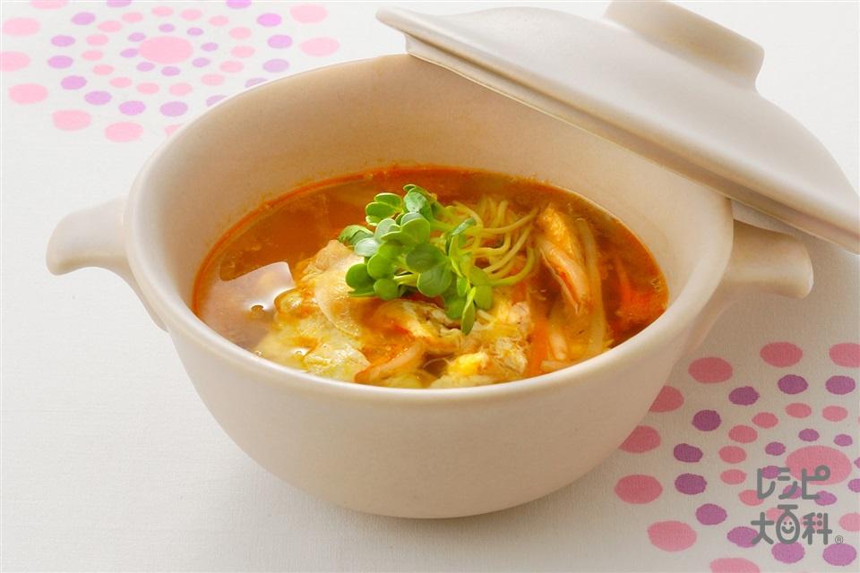 せん切り野菜のピリカラスープ (玉ねぎ+もやしを使ったレシピ)
