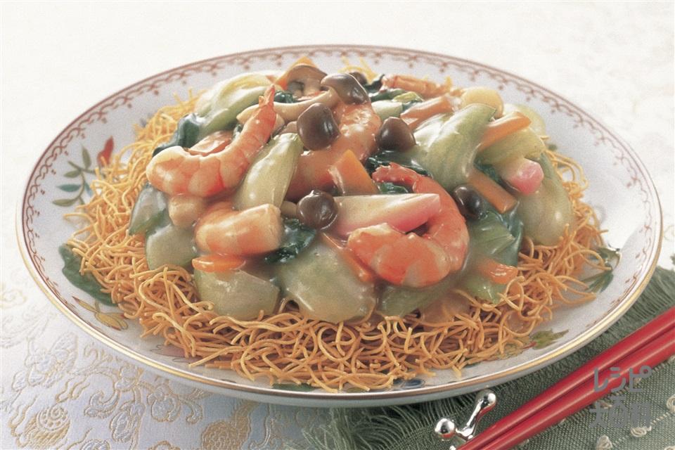 カリッと中華皿うどん(皿うどん+むきえび(大)を使ったレシピ)
