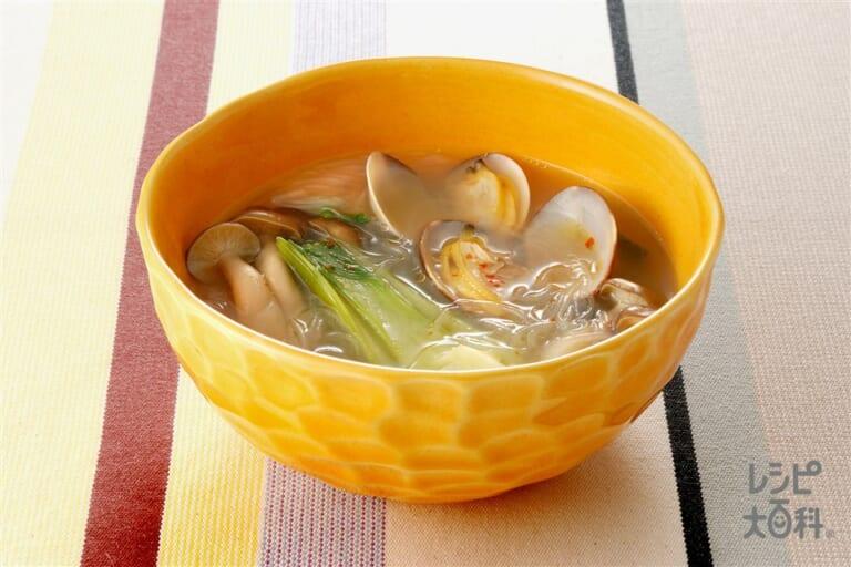 しめじとあさりの春雨辛味スープ