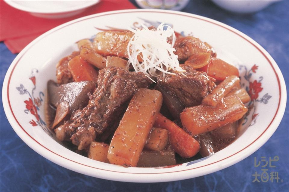 骨つき豚の中華風みそ煮込み(とんこつ)(スペアリブ+大根を使ったレシピ)