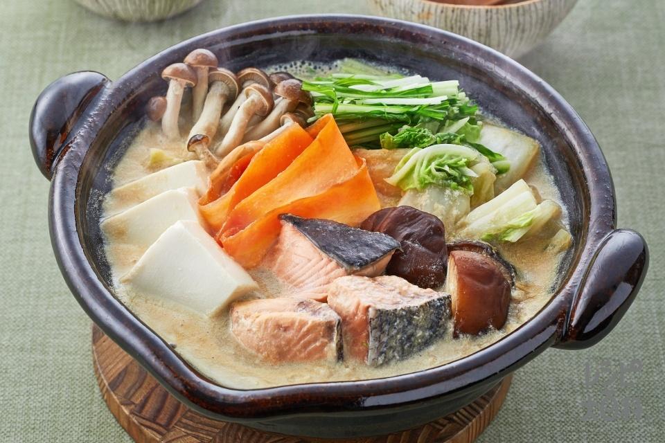 豆乳鍋(白菜+調整豆乳を使ったレシピ)