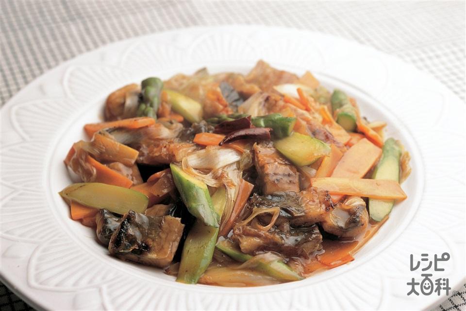 うなぎと野菜のピリ辛炒め(うなぎのかば焼き+にんじんを使ったレシピ)