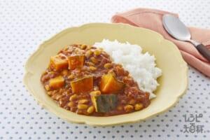 かぼちゃと豆のカレー(玉ねぎのみじん切り+ご飯を使ったレシピ)