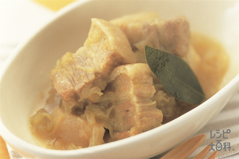 たっぷり玉ねぎと豚バラ肉の煮込み(豚バラかたまり肉+玉ねぎを使ったレシピ)