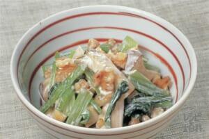 小松菜と焼きエリンギのくるみマヨネーズ