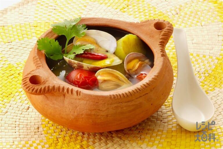 あさりとなすのトムヤムクン風スープ